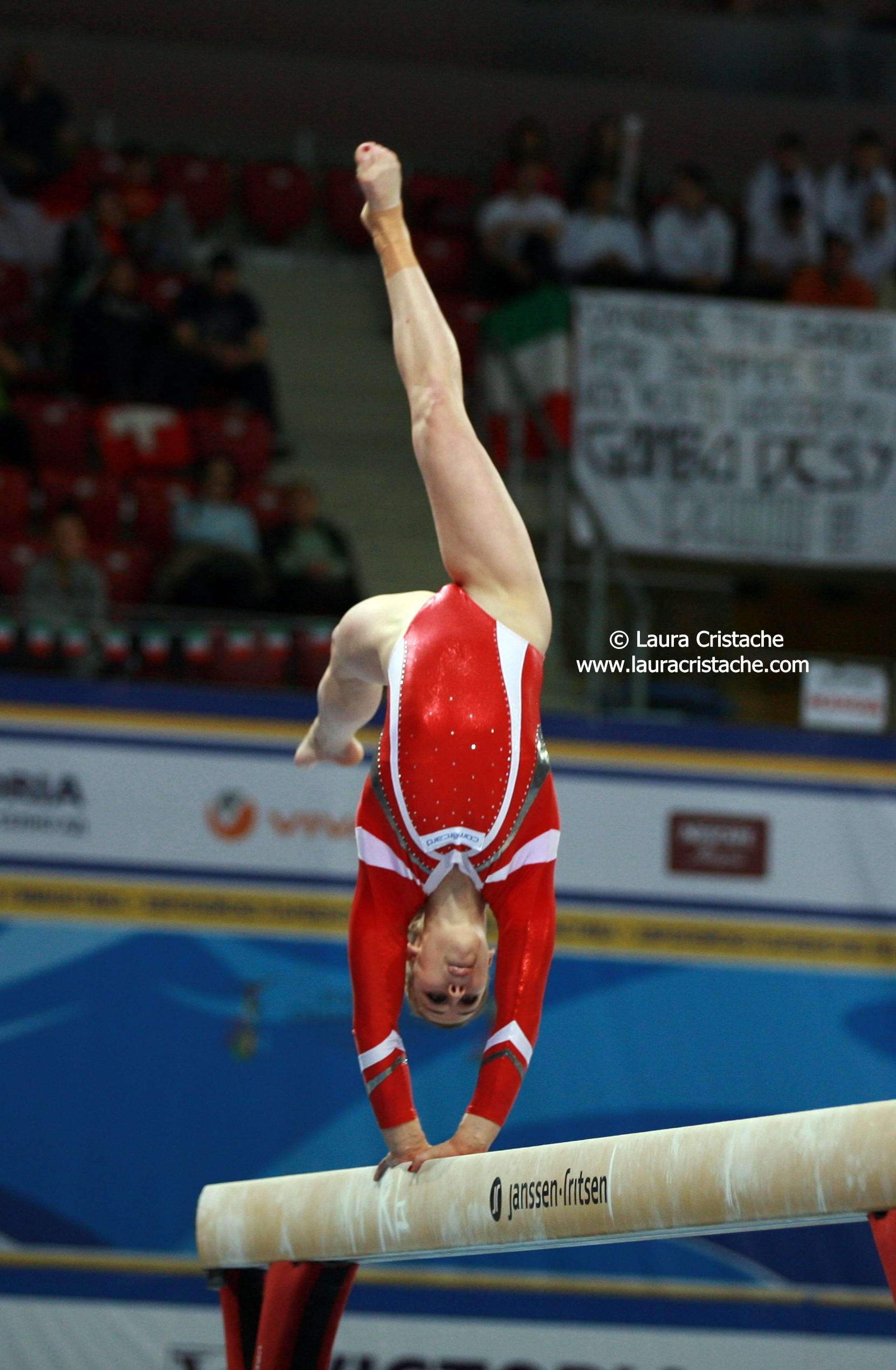 Giulia Steingruber Beam Final Ce Sofia 2014 Photos